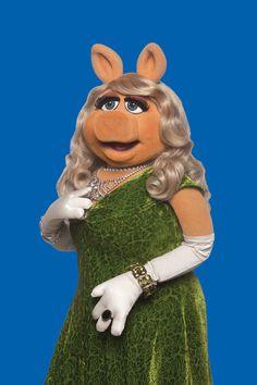 Grande ham Miss Piggy returns to theaters Friday Disney Quiz, Walt Disney, Miss Piggy Muppets, Beautiful Rose Flowers, Jim Henson, New York Post, My Favorite Color, Diva, Cute