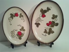 "Metlox Poppy Trail California Pottery Strawberry 11"" and 9.75""  Platter SET MINT"