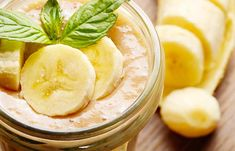 2. Banana And Mint Face Pack For Glowing Skin