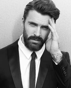 The gentleman haircut is a classic men's haircut, compared to the olden days, where only a few haircuts like the comb over and the side part were considered to be Gentlemen's hairstyles. Best Beard Styles, Hair And Beard Styles, Hair Styles, Classic Mens Haircut, Gentleman Haircut, Hipster Haircuts For Men, Haircuts With Beards, Pompadour Style, Coiffure Hair