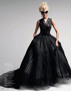 Dior / Vogue  - I DON'T LIKE WEARING DRESSES BUT THIS ONE IS AMAZEING..IT WAS MEAN'T FOR ME..WITH MY BIG SUNGLASSES..IM DROOLING