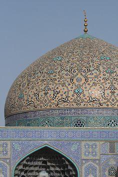Sheik Lotfollah Mosque, Imam Square, Esfahan, Iran (Photo Rowan Castle)