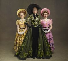 "Cinderella - Cate Blanchett as Lady Tremaine, Sophie McShera as Drizella and Holliday Grainger as Anastasia. According to the movie's costume designer, Sandy Powell, ""Cinderella's stepsisters sport the yellow and pink of sorority. Cinderella 2015, Cinderella Story, Cinderella Stepsisters, Cinderella Costume, Cinderella Outfit, Theatre Costumes, Cool Costumes, Amazing Costumes, Robes Disney"