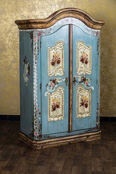 Bauernschrank Landhaus Schrank Kleiderschrank Dielenschrank Kasten Blau Bemalt in Möbel & Wohnen, Möbel, Kleiderschränke | eBay
