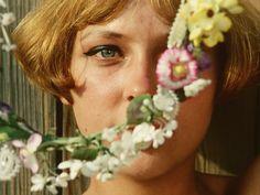 Szene mit Marie I aus dem Film Tausendschönchen aka Daisies / Sedmikrásky von Vera Chytilová