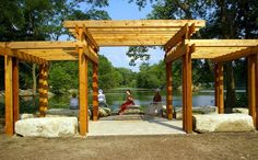 pérgolas de madera con diferentes estructuras