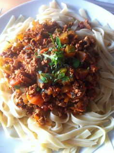 I love a good spaghetti bolognese and last night's was a good spaghetti bolognese although technically we had fettuccine bolognese. I do love cooking and I must admit that I would normally ma…