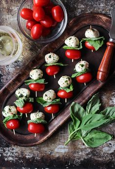 Celebrate the season with effortless entertaining recipes, featuring Caprese Bites. You'll love these easy wine appetizers. Caprese Appetizer, Wine Appetizers, Appetizers For Party, Appetizer Recipes, Snack Recipes, Appetizer Ideas, Italian Appetizers Easy, Fast Recipes, Caprese Salad