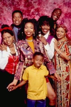 Everyone loves the TV in that decade was at it's prime, so we're taking a look back at the best TV shows that helped us grow up. 90s Tv Shows, Movies And Tv Shows, Black Sitcoms, Black Tv Shows, Gta San Andreas, Black Girl Aesthetic, 90s Aesthetic, Vintage Black Glamour, Black Families