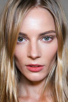 How to Choose Between Cream and Powder Contour Products | StyleCaster