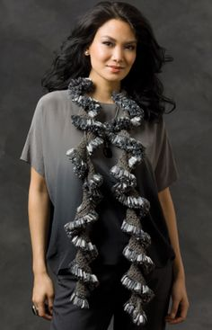 Crochet Ruffle Chips Scarf, http://crochetjewel.com/?p=7732