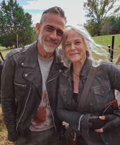"""""""We might be in uncertain times but at least we finally have Negan & Carol content in 🙌🏽"""" Memes Walking Dead, Walking Dead Tv Show, Fear The Walking Dead, Melissa Mcbride, Rick Grimes, Walking Dead Wallpaper, Zombie Style, Daryl And Carol, The Avengers"""