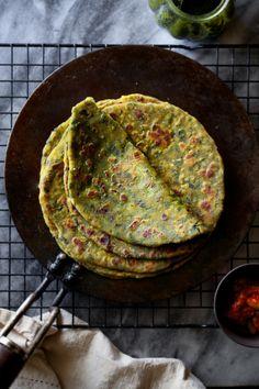 Sinfully Spicy : Methi Paratha (Skillet Fried Fenugreek Leaves Flatbread) #vegan #vegetarian