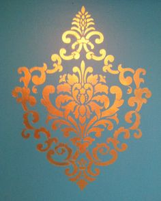 THis stencil turned out awesome! Ornamental cartouche stencil from Royal Design Studio.