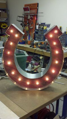 "24"" Horseshoe Vintage Marquee Hollywood Lighted Wood & Metal."