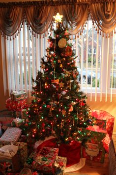 A Lovely Little Christmas | Strength and Sunshine @RebeccaGF666 #Christmas