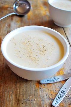 SOPA DE COLIFLOR Vegetarian Cabbage Soup, Vegan Tomato Soup, Vegetarian Recipes, Cooking Recipes, Yummy Recipes, Healthy Recipes, Thai Vegetable Soup, Vegetable Soup Recipes, Vegan Dumplings