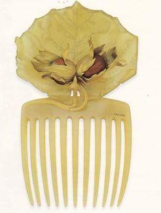 Renè Lalique Hair comb Circa 1900 Mais