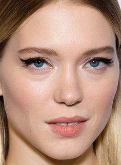 Close-up of Léa Seydoux at the 2015 Amsterdam premiere of 'Spectre'. http://beautyeditor.ca/2015/11/04/best-beauty-looks-lea-seydoux