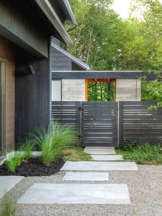 Nice What a Beautiful Modern Landscape Design https://gardenmagz.com/what-a-beautiful-modern-landscape-design/ #ModernLandscaping