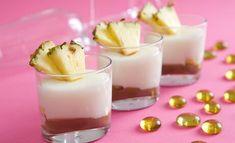 Sněhobílá vosí hnízda Rezept | Dr. Oetker Panna Cotta, Pudding, Ethnic Recipes, Food, Pineapple, Dulce De Leche, Custard Pudding, Essen, Puddings