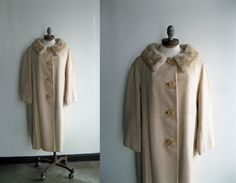 1950's/1960's Cream Wool Oversized Cocoon Coat with Tan Mink Fur Collar Large XLarge Plus Size