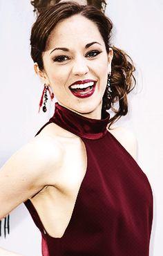 Laura Osnes is sooo beautiful!