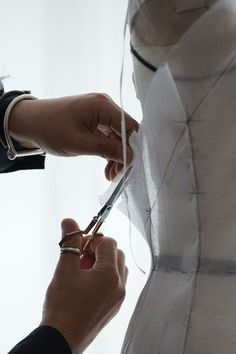 Haute couture sewing; dressmaking; pattern cutting; fashion studio. http://www.utelier.com/