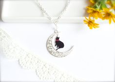 Moon Cat Necklace with a Healing Stone quartz by CalalaSpoonCat