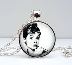 Audrey Hepburn Necklace - Breakfast at Tiffany's