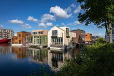 Bairro flutuante sustentável em Amsterdã projetado para enfrentar desafios