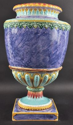 A 19TH CENTURY CONTINENTAL MAJOLICA VASE House Ornaments, Cut Flowers, Earthenware, Flower Vases, Ceramic Pottery, Fine China, Beautiful Images, Decorative Accessories, 19th Century