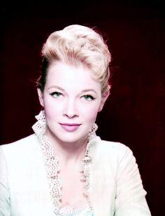 Portrait... Dolores MICHAËLS (30 Janvier 1933 - 25 Septembre 2001)