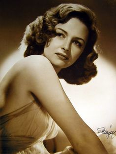 Donna Reed~ 1944 - Oh what a crush I had on her <3