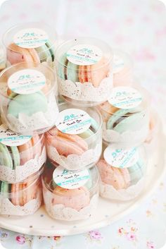 Wedding Favors as cute macaroons wish I had done this, it's so pretty