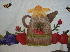 Resultado de imagem para toalhas de mesa com aplicações em patchwork