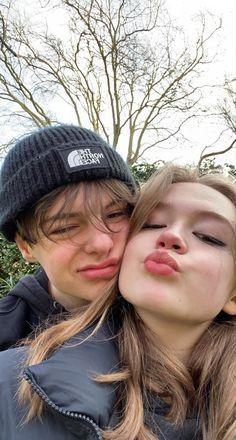 Cute Couples Photos, Cute Couple Pictures, Cute Couples Goals, Couple Photos, Relationship Goals Pictures, Cute Relationships, Couple Goals Teenagers, The Love Club, Boy Best Friend