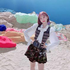 Kpop Girl Groups, Korean Girl Groups, Kpop Girls, Pretty Korean Girls, Japanese Girl Group, K Idols, Yuri, Besties, Cool Girl