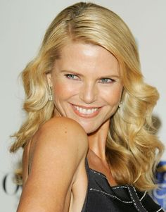 So, how well Christie Brinkley plastic surgery was perfomed? Celebrity Look, Celebrity Gossip, Christie Brinkley Plastic Surgery, Most Beautiful Women, Beautiful People, Colleen Dewhurst, Celebrity Plastic Surgery, Swimsuit Edition, Farrah Fawcett