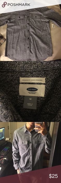 Old Navy Grey shirt NEW WITH TAGS Medium old navy grey shirt NEW WITH TAGS Old Navy Shirts Casual Button Down Shirts