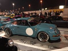 RWB at Tarumi parking Rauh Welt, Porsche 911, Cars Motorcycles, Euro, Japan, Watch, Vehicles, Sports, You Are Special