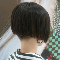 Bob Hairstyles, Short Hair Styles, Hair Cuts, Sari, Beauty, Bobs, Instagram, Short Hair, Haircut Parts