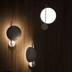 Oluce Superluna Wall Lamp : surrounding.com