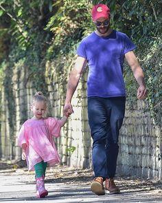 JD and his lil girl.so adorable. Fifty Shades Movie, Fifty Shades Trilogy, Fifty Shades Of Grey, 50 Shades, Amelia Warner Jamie Dornan, Dulcie Dornan, Hot Dads, Jaime Dornan, Mr Grey