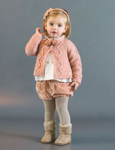 Pili Carrera online, moda infantil online Source by kozykaper Kids Winter Fashion, Winter Outfits For Girls, Cute Baby Girl Outfits, Little Girl Dresses, Toddler Outfits, Winter Kids, Toddler Girls, Little Girl Fashion, Toddler Fashion