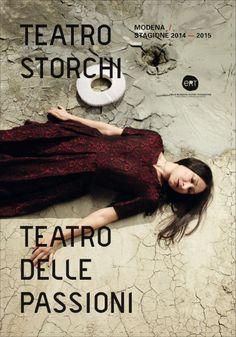 Copertina della brochure delle stagioni Teatro Storchi e Teatro delle Passioni, Modena In foto Ermanna Montanari Foto di Luca Del Pia