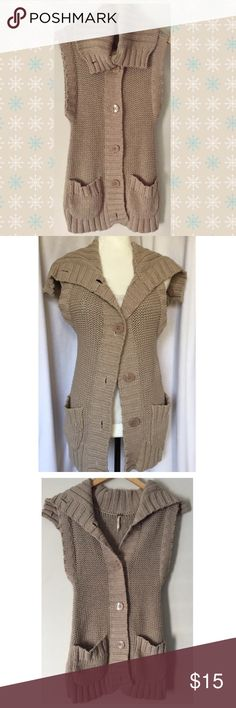 Free People sleeveless cardigan🌻⚡️ - By Free People - Pretty sand color button up sleeveless cardi with a shawl collar you can button up or wear down - 100% cotton - Size XS - 24in. long - Chest 14in. across - EUC, but bottom button missing Free People Sweaters Cardigans