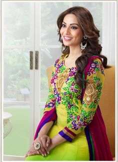 This Yellow & Lime Green Georgette Anarkali Salwar Kameez is amazingly designed with embroidery work and border patch work.