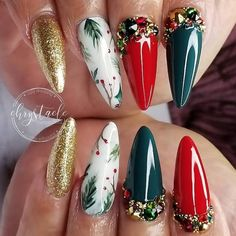 Here are the best Christmas acrylic nails designs, cute Christmas nails and red Christmas nails 2018 that We've Cherry Picked, to act as an inspiration fo Chistmas Nails, Xmas Nail Art, Cute Christmas Nails, Christmas Nail Art Designs, Xmas Nails, Holiday Nails, Cute Acrylic Nails, Acrylic Nail Designs, Trendy Nail Art