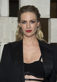 Actress January Jones attends the Hammer Museum Gala in the Garden honoring Laurie Anderson and Todd Haynes.